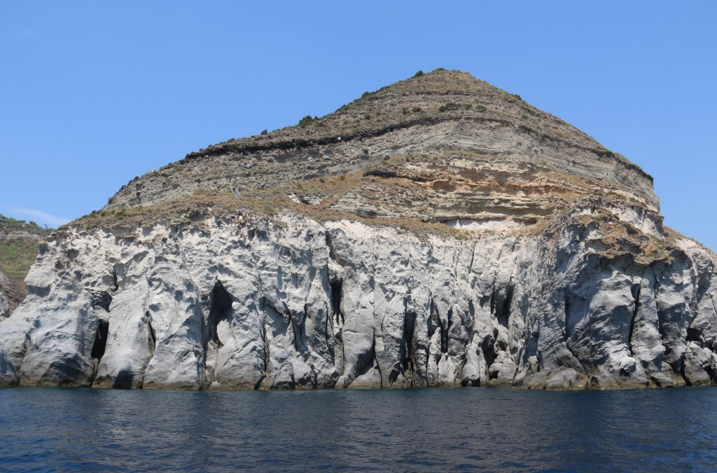 We continue our circumnavigation of the island enjoying the amazing scenery along the coast