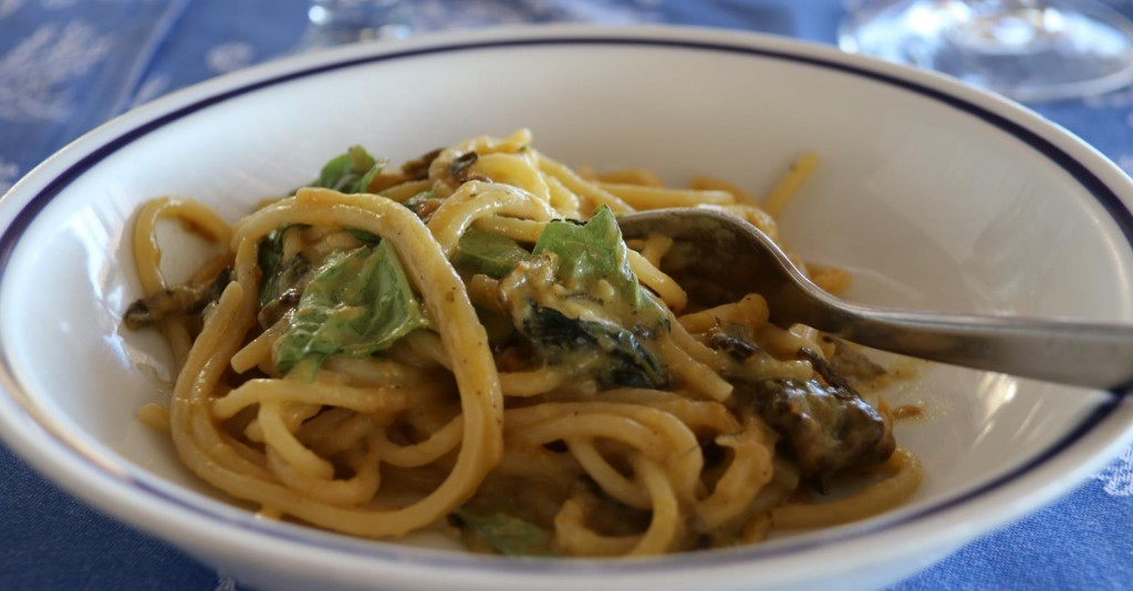 One of Maria Grazia's signature dishes  is the fabulous Spaghetti with Cougettes, which we all tasted by ordering a couple of plates