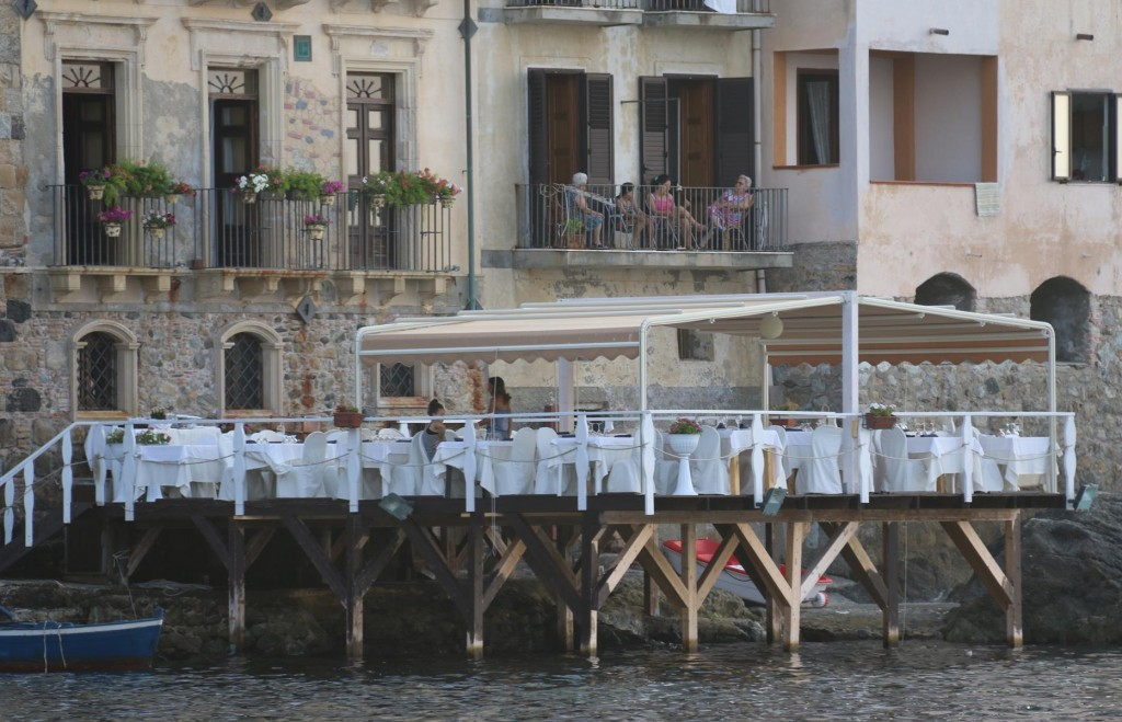 A few restaurants perfectly positioned over or by the water entice a few locals and especially the holidaymakers