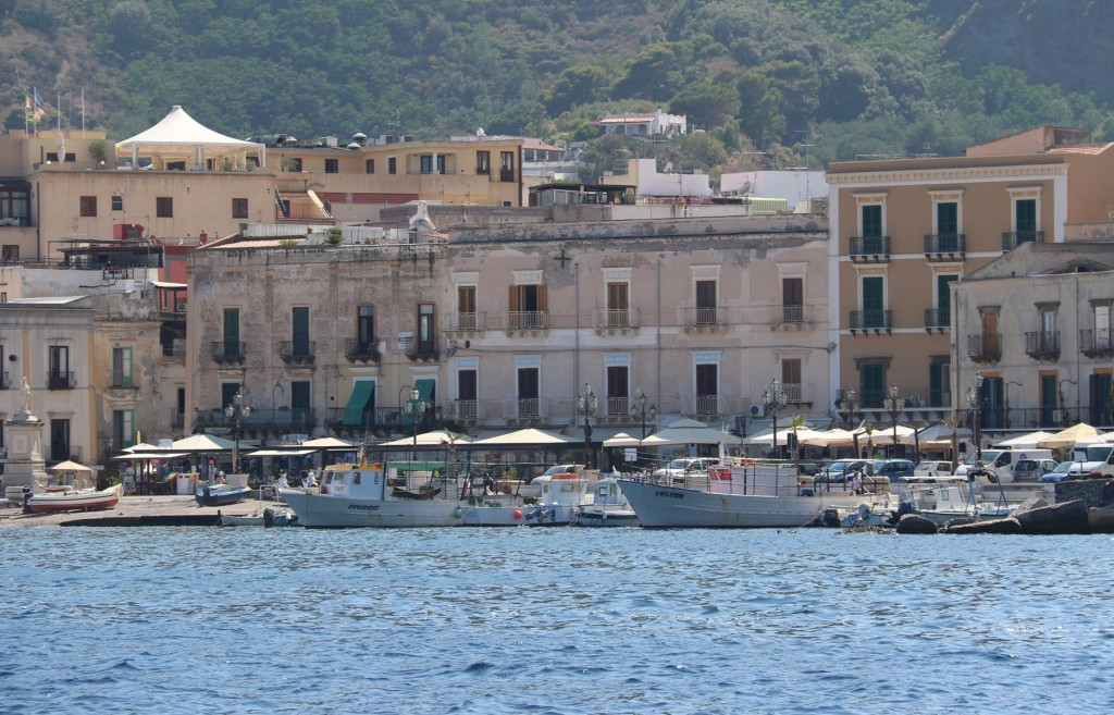 Lipari town is one of the most popular in the Aeolian Islands for young people and can be quite noisy with music all night
