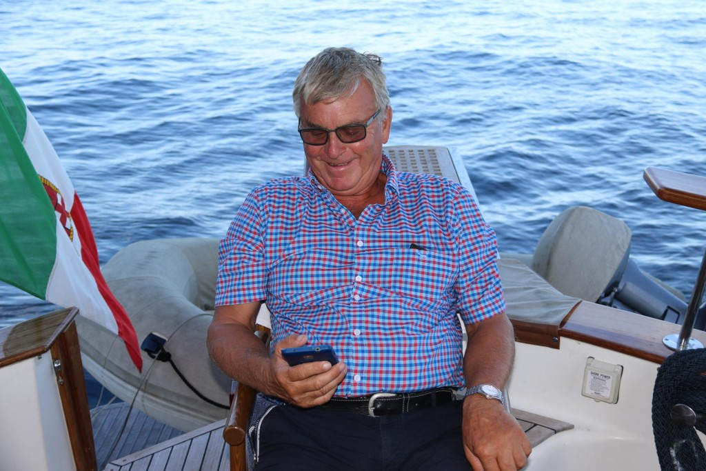 Ric relaxes by getting his phone out as usual!!