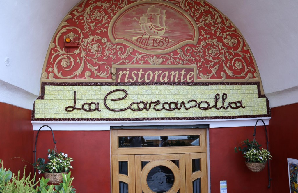 Being late and not wanting to walk too far we come across La Caravella which rated very high on TripAdvisor
