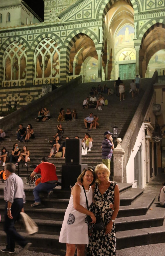 After our very late dinner we take a stroll through the still very busy town square