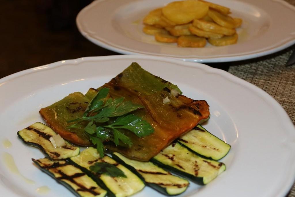 Excellent grilled vegetables and crisp potatoes
