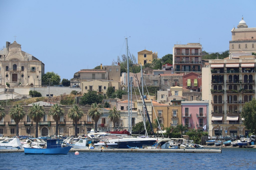 We arrive at Marina del Nettuno where we have booked a berth for the night