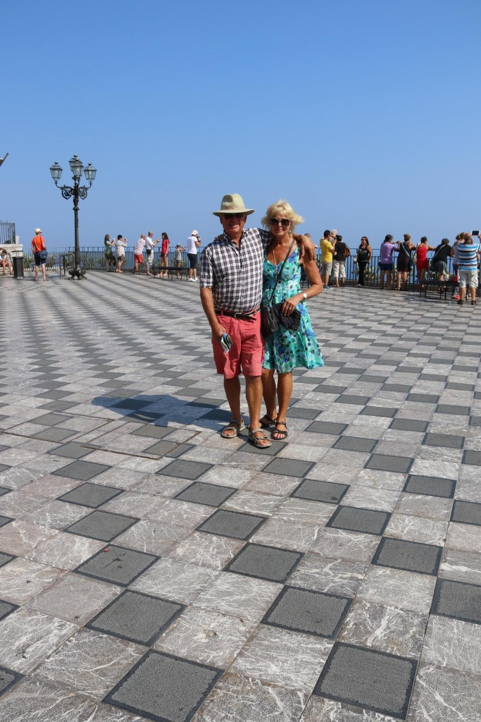 The old checkerboard paving looks amazing in the piazza
