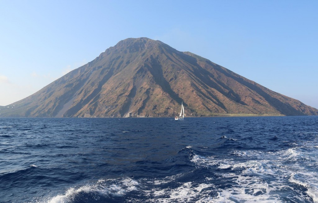 We decide to leave Stromboli and spend the night on one of the other islands