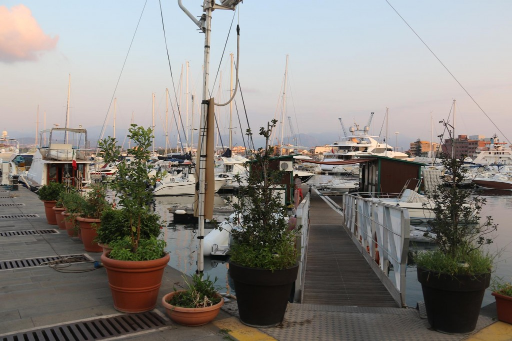 Back to the marina to freshen up before exploring the town