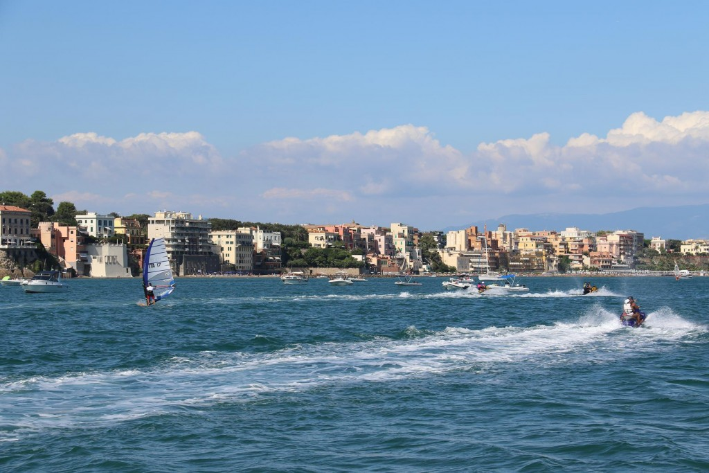 In the Anzio bay windsurfers and jet skis are very popular