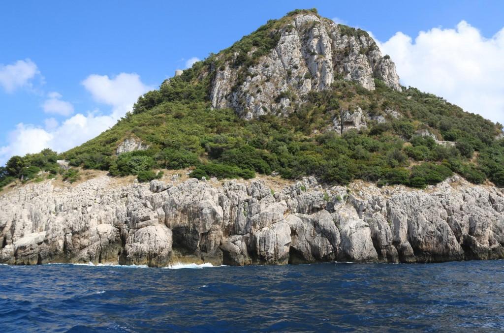 We decide to circumnavigate Capri