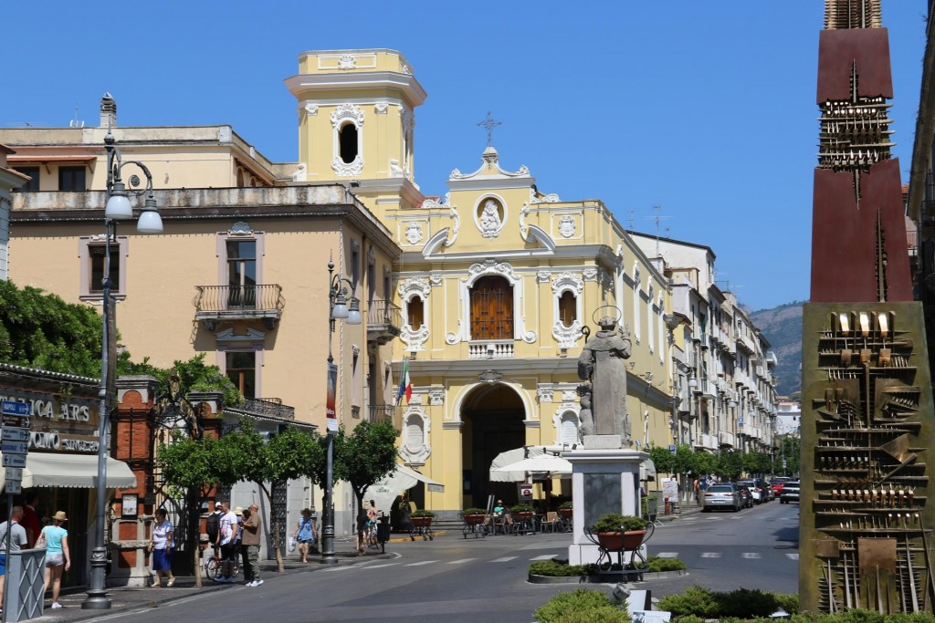 The main roundabout in Sorrento