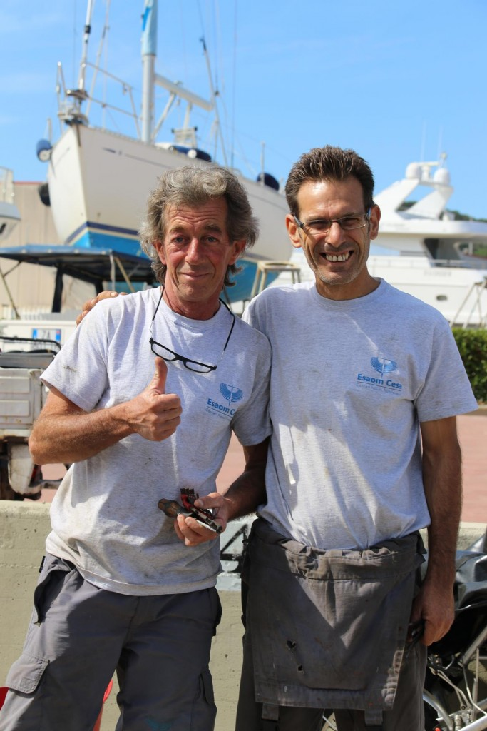 At last this morning the jobs have been completed on the boat and Stefano and Marco give the thumbs up!!