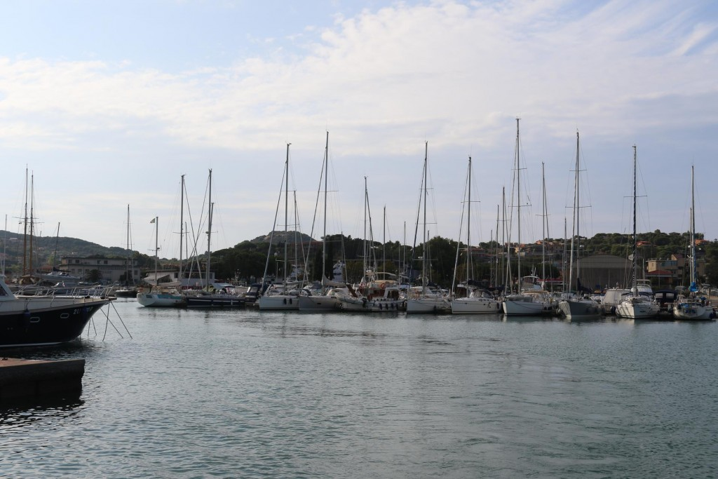We leave the marina and plan to return on Monday