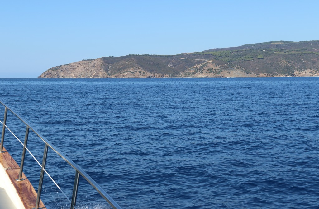 We approach Isola di Elba at Punta dei Ripaltio in the south east of the island