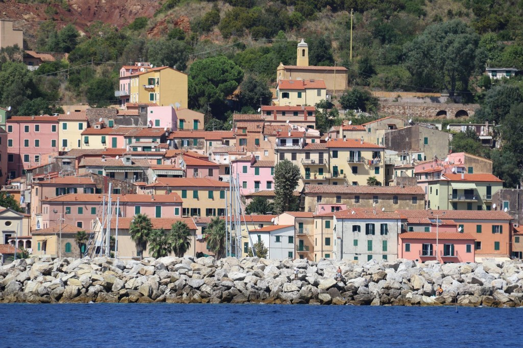 Pastel coloured houses seem to be the trend in most of the ports we have visited