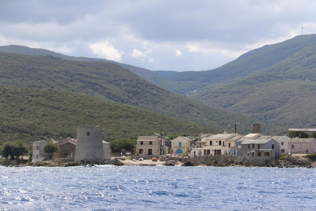 Shortly after we pass the tiny village of Tollare
