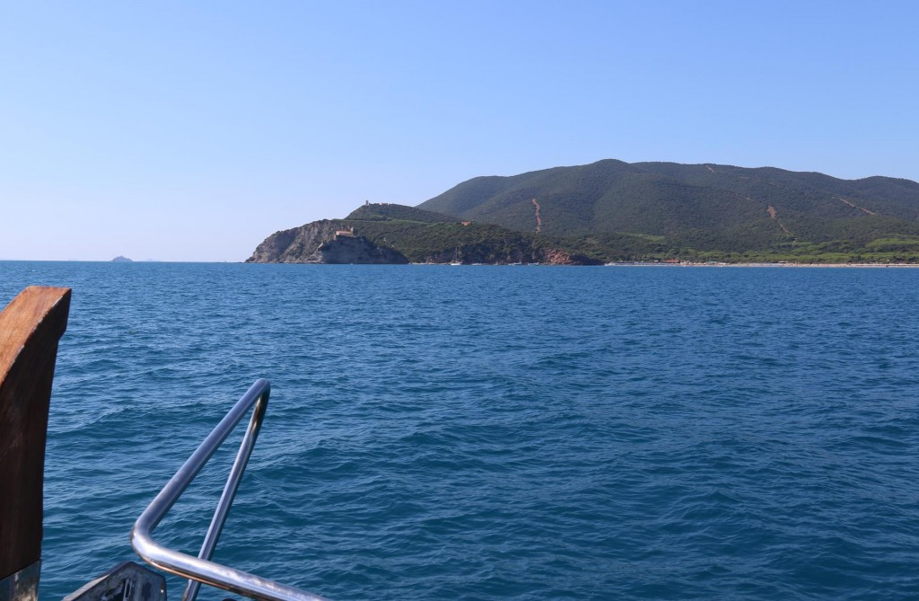 Further up the coast we approach a possible anchorage for the night