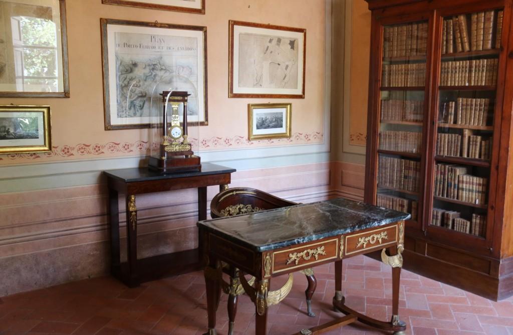 Napoean's office