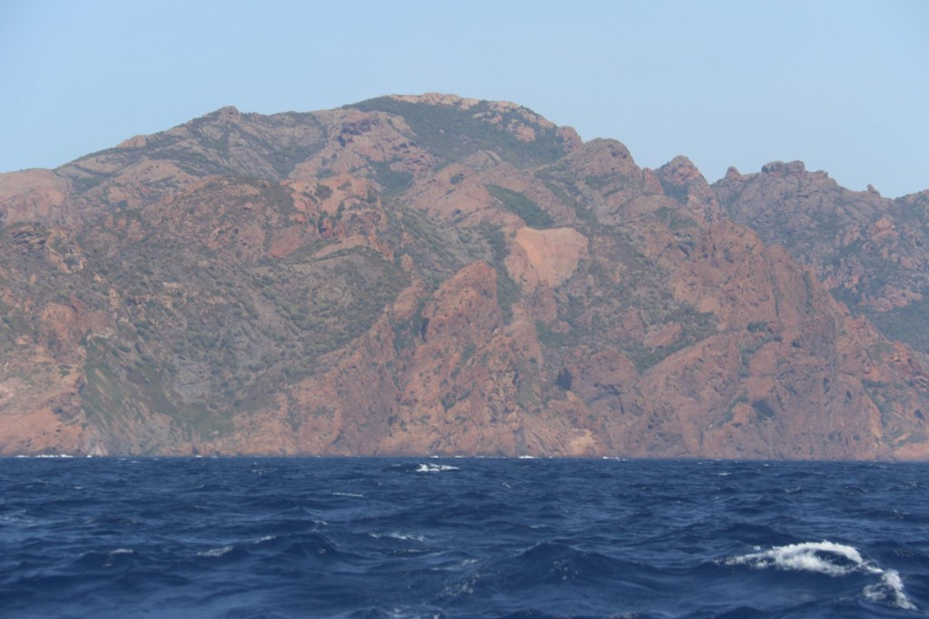 090 The rich red colour of Capo Senino, south east of the Golfe of Girolata
