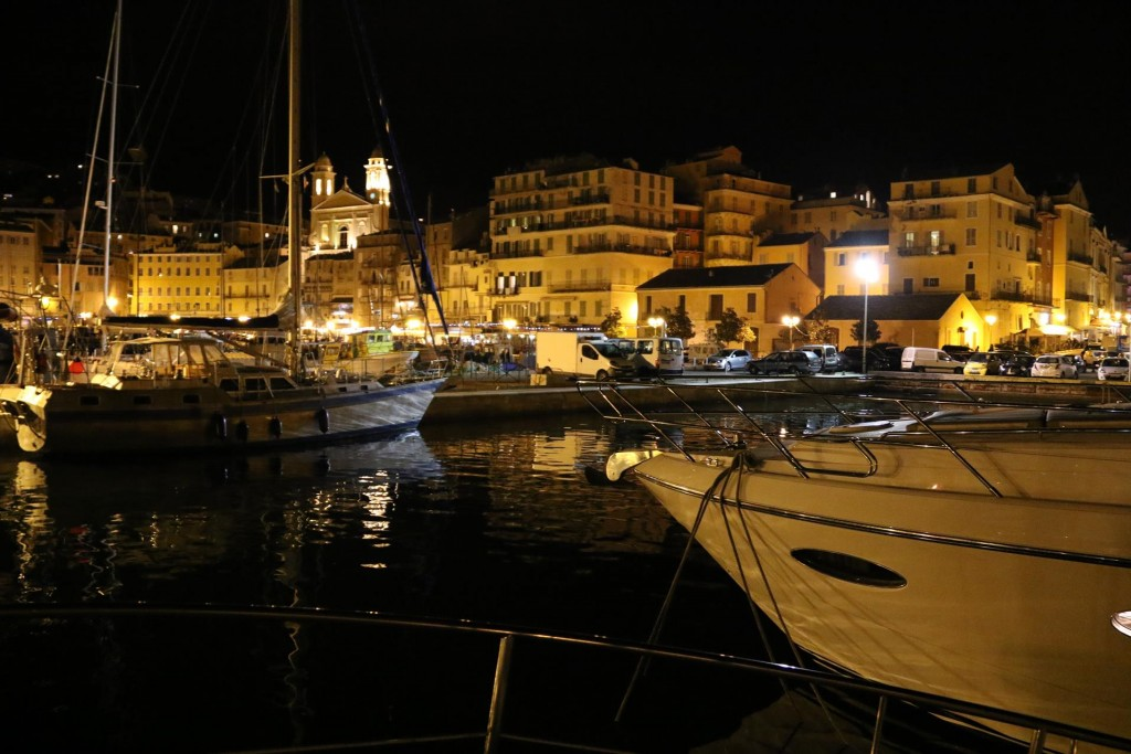 090 Vieux Port by night