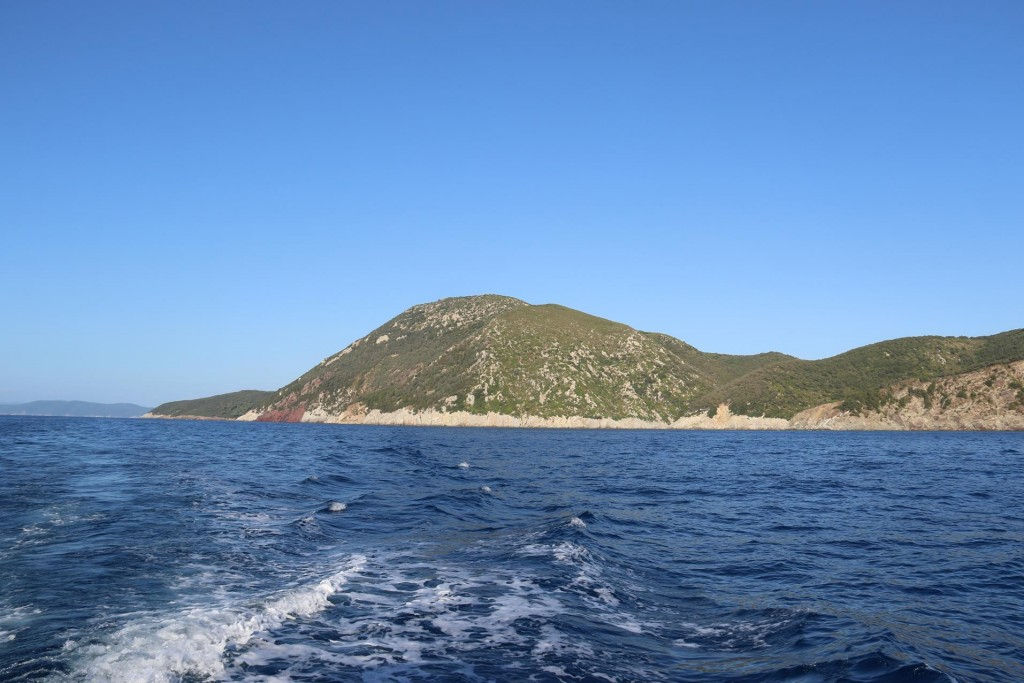 Heading down to Portoferraio we once again pass the fabulous coastline on the way