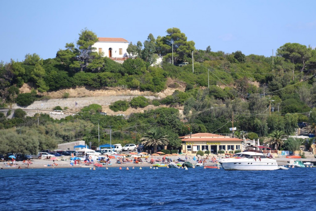 A busy beach near the small town of Viticcio