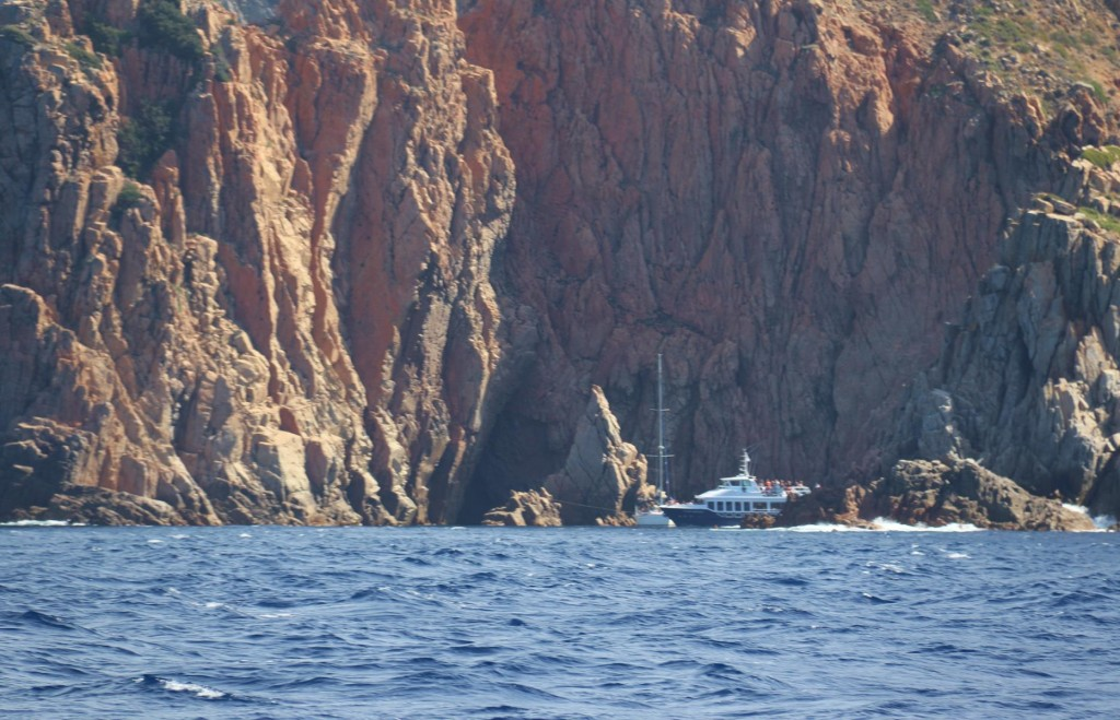 A couple of boats looking for shelter in Anse San Pellegrino