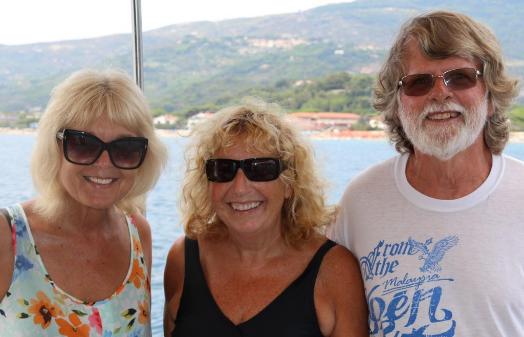 Our new NZ friends, Pete and Kathy come over before we leave Golfo di Campo