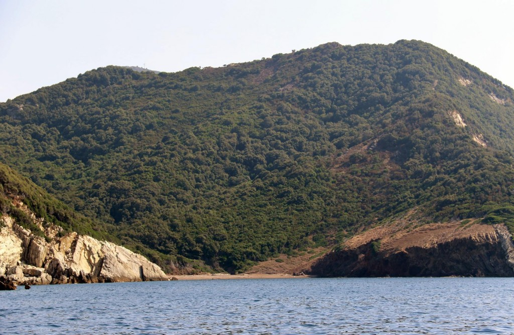 No anchoring in Cala Bagnaia