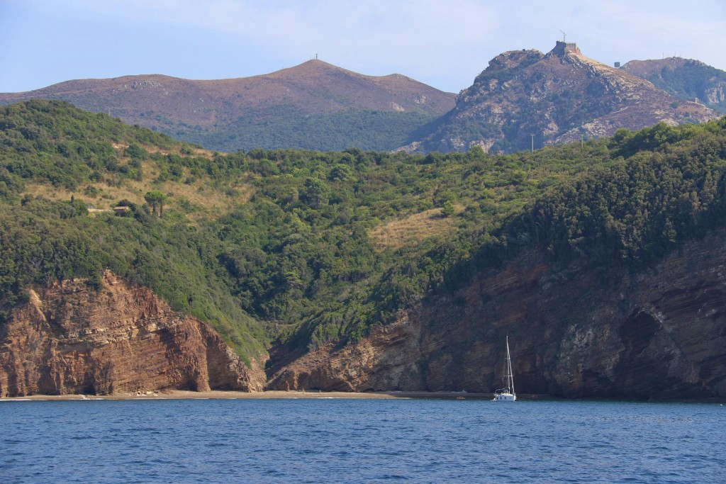 Cala Concia in the east of the large gulf of Rada di Portoferraio