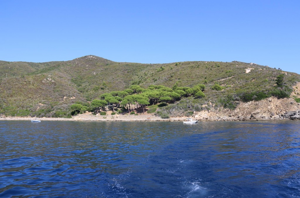 )After a couple of hours we depart from our lovely swimming spot