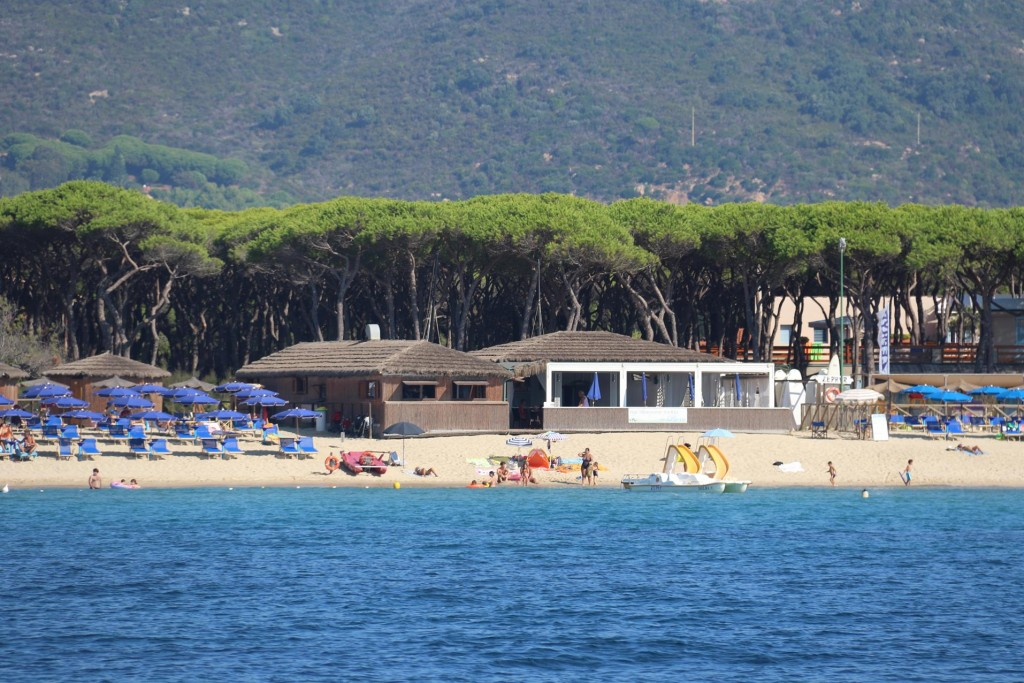 Ric booked a restaurant for dinner for us on the beach at Campo nell'Elba