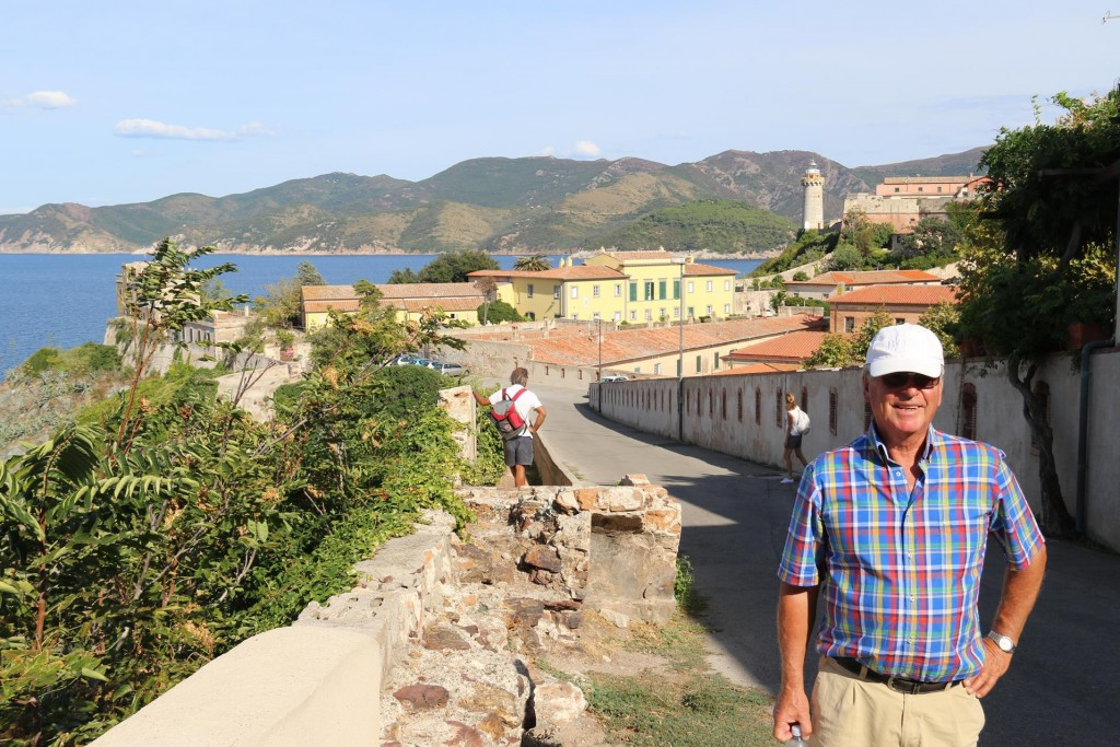 We continue walking on up to the Fort Falcone