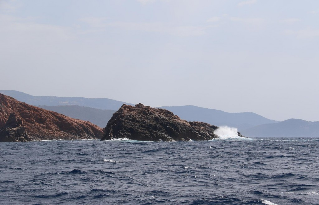 Approaching  Cape Rossu from the north