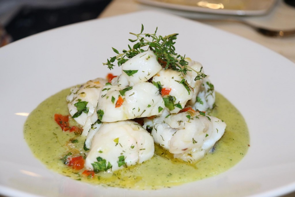 Ric had the fabulous monkfish with pistachio sauce