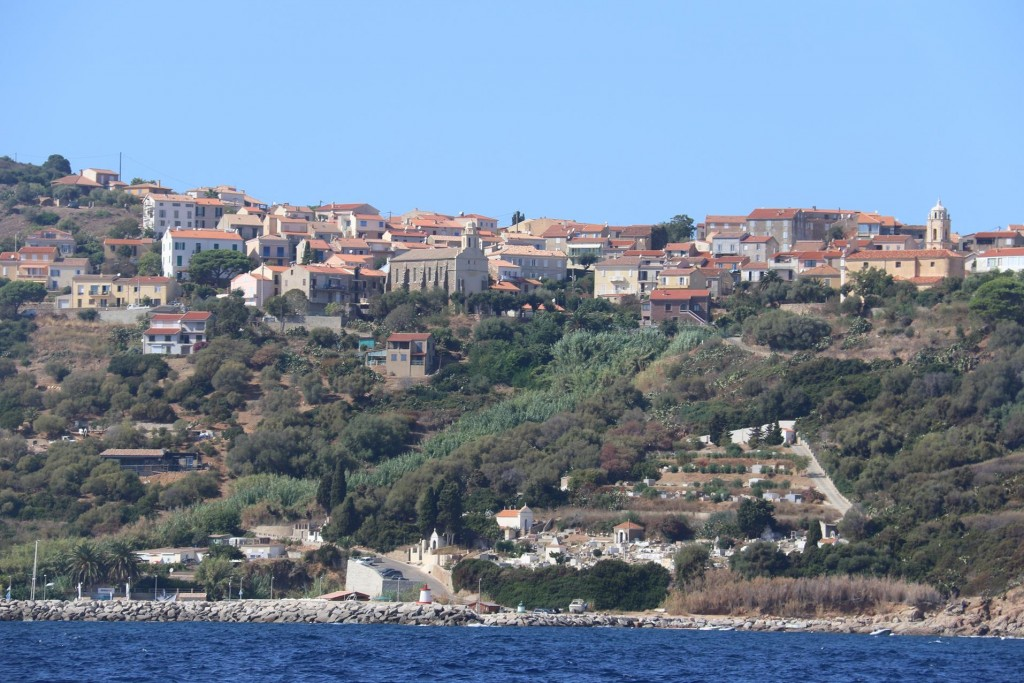 We almost stopped at Cargese however having a great tale breeze we continued further down the coast