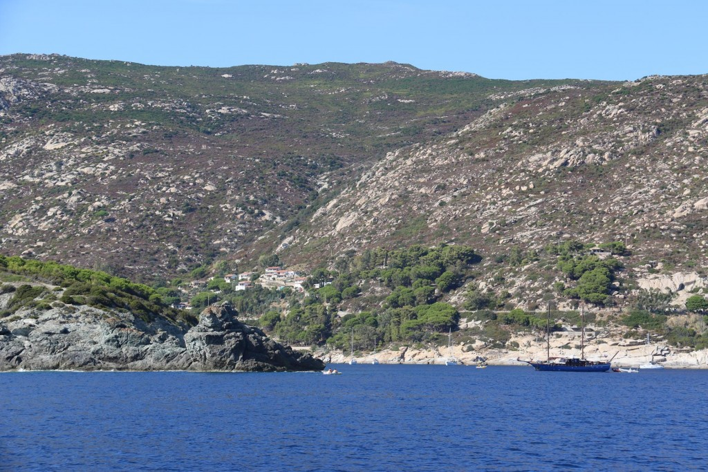 We arrive at our destination in the south western bay called the Gulf of Barbatoia