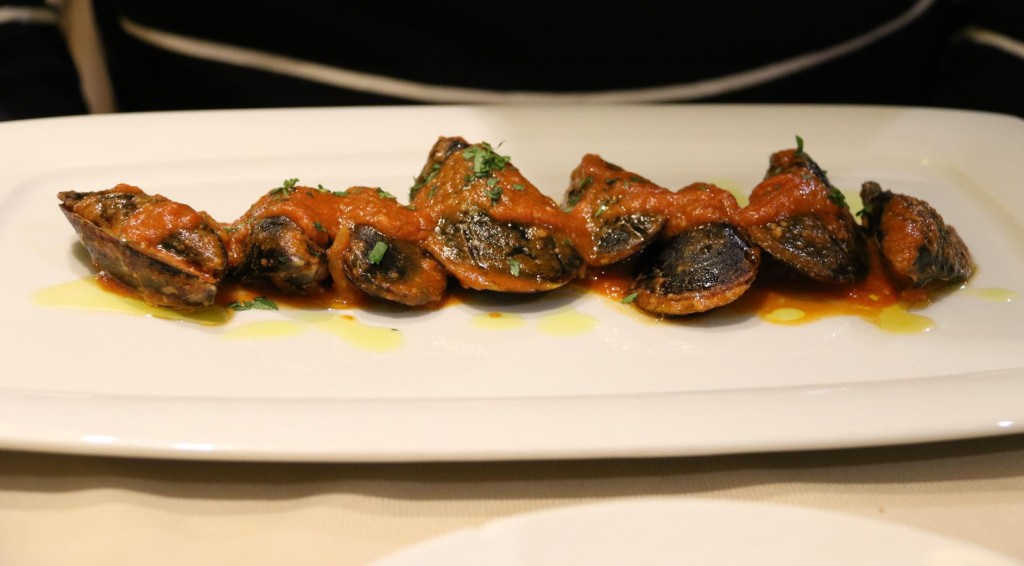 We decide to share a few entrees and start with the amazing mussels