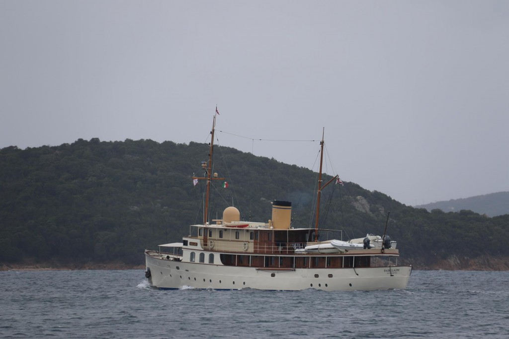 The Fair Lady makes an early departure from Cala di Volpe