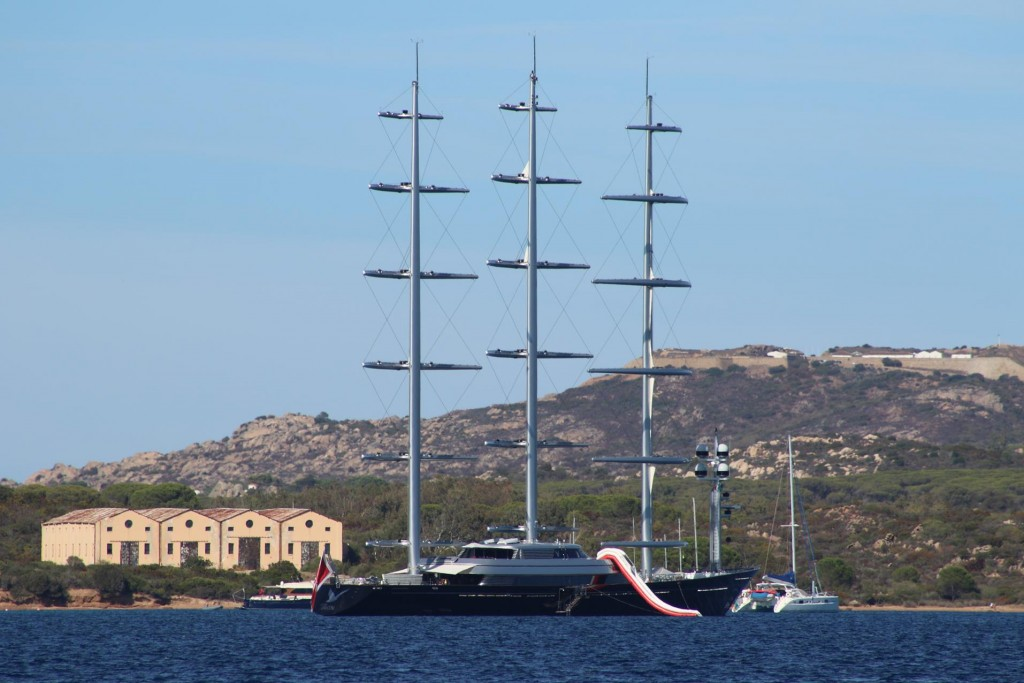 In Porto Palma where we stayed a few nights ago we discover the superyacht that sailed past in full sail