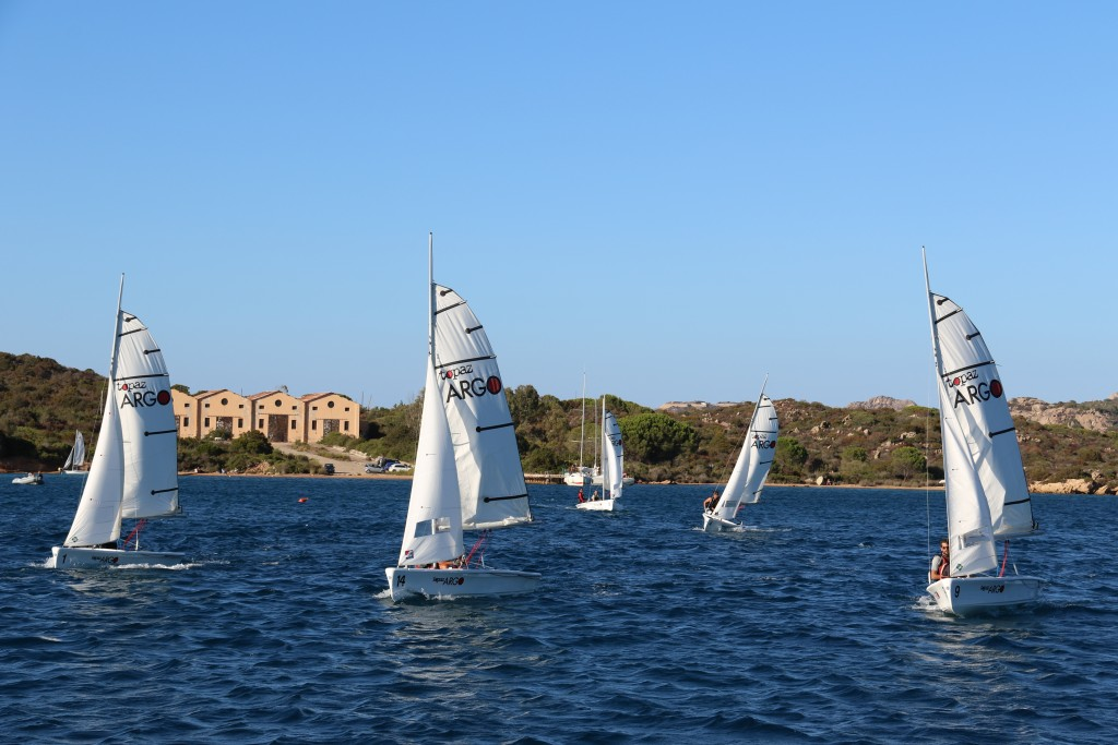 We had front row seats watching lots of sailing happening all around us in Porto Palma this afternoon