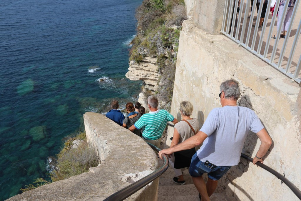 We decide to tackle the King of Aragon stairway