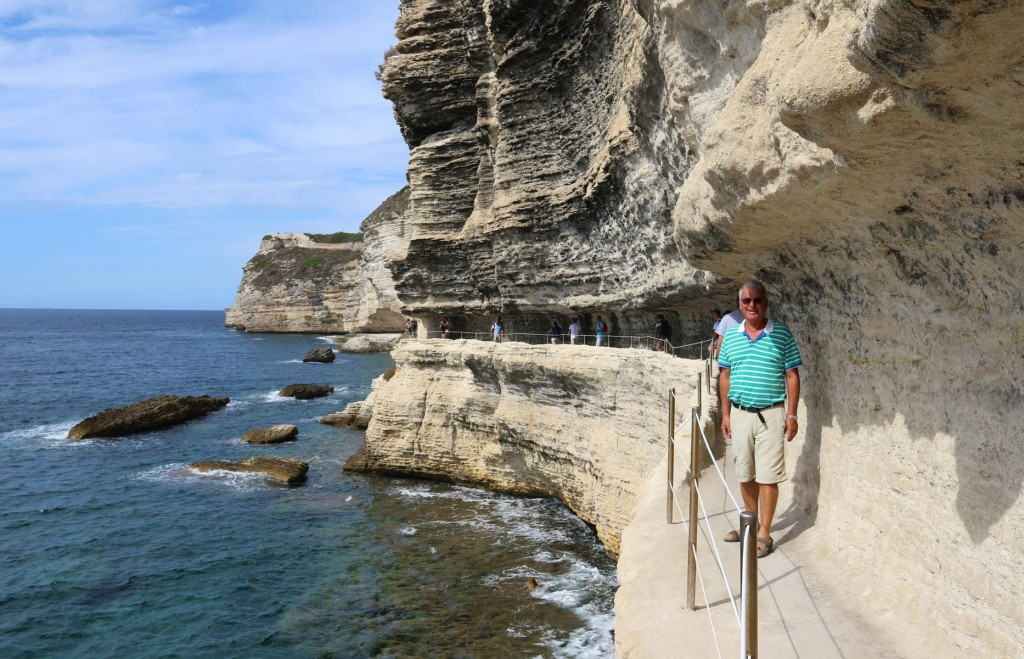 Once at the bottom of the steps we follow a pathway carved into the limestone cliffs which go to a grotto