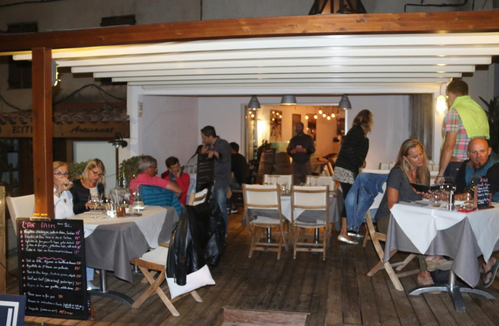 Just behind the port we find a lovely restaurant called L'an Faim Cuisine Terre Mer