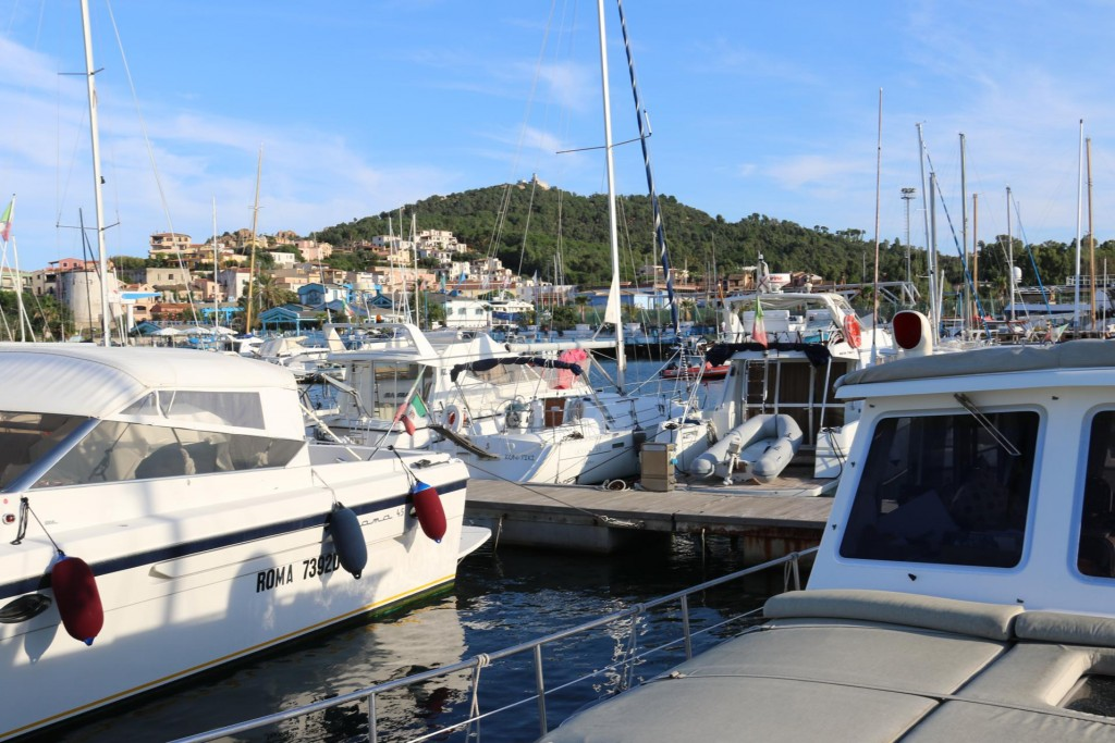 A berth is organised for us in the marina in Arbatax