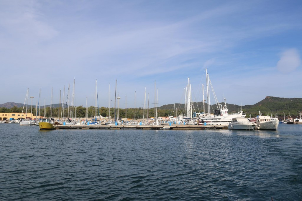 Situated in south east Sardinia, Porto Corallo gets very busy in the high season