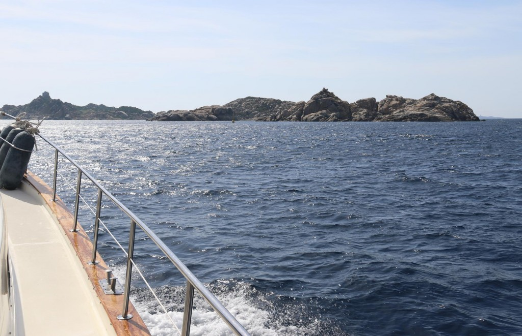 Almost to the south eastern tip of Sardina lies the island of Serpentara