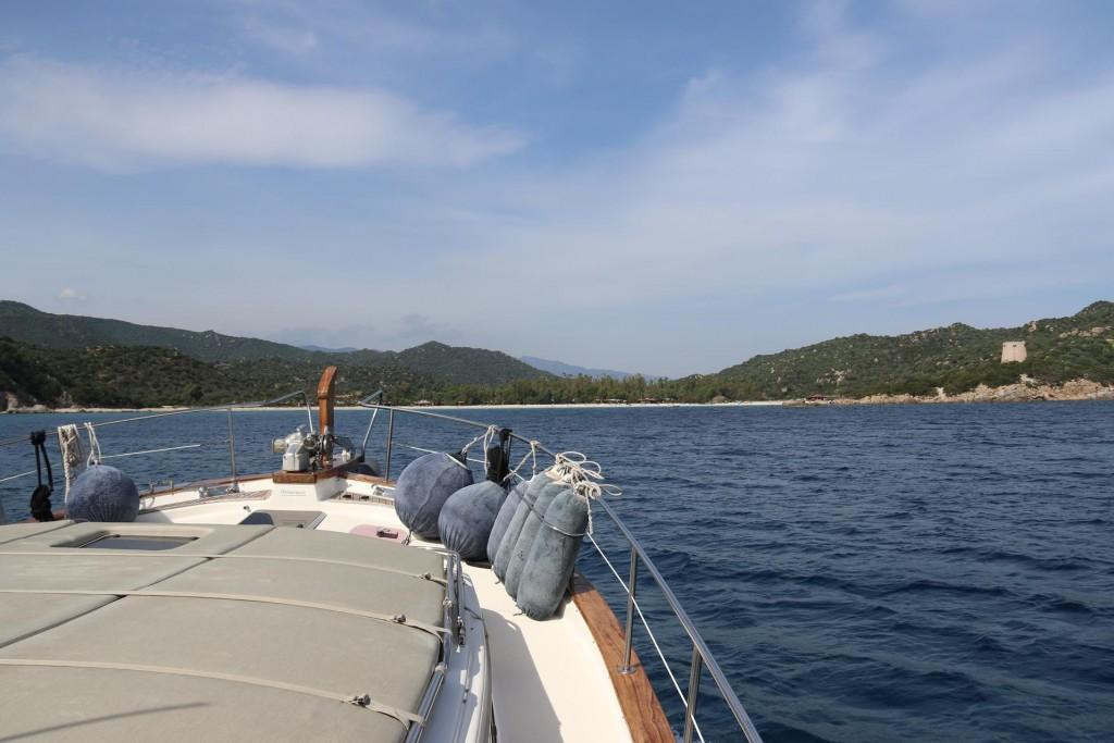 We approach Cala Pira