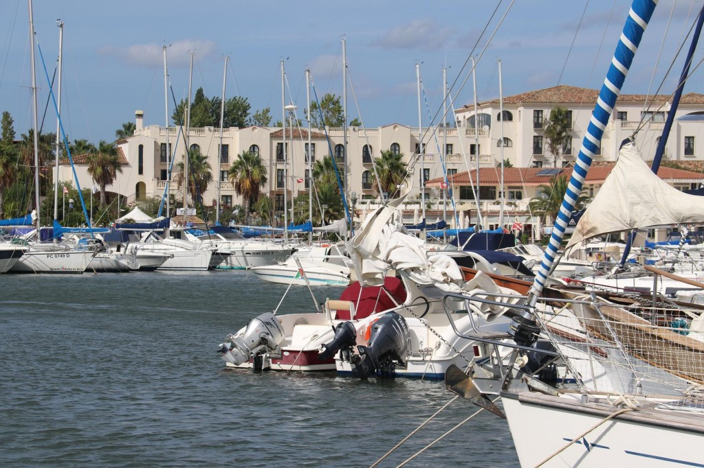 Once securely tied up along the outer wall of the marina, we begin preparing our boat for winter storage