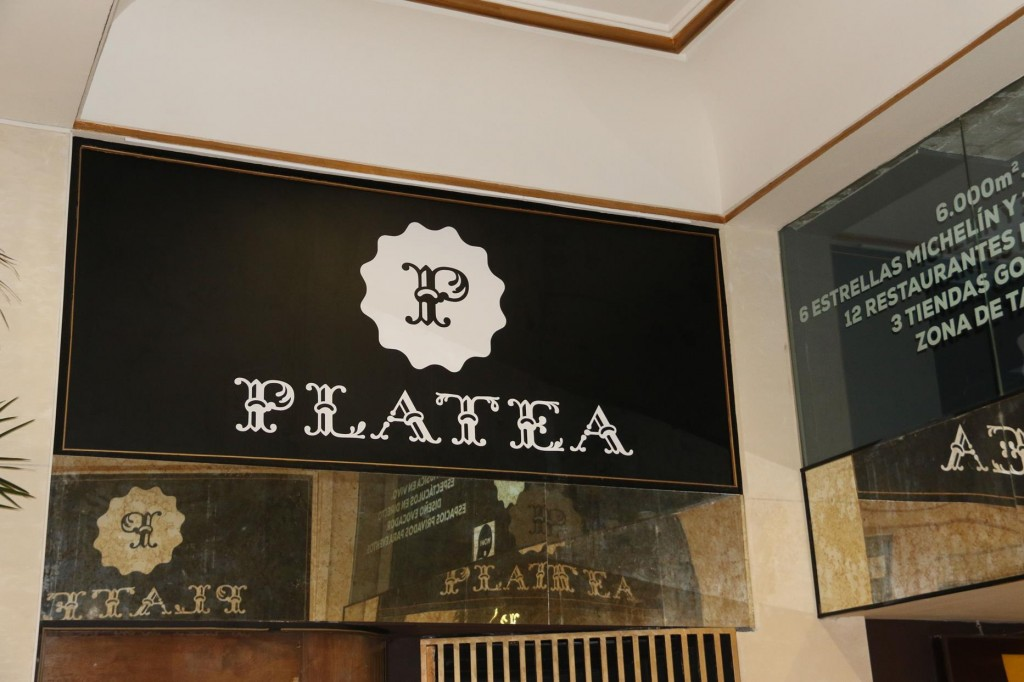 At lunchtime we stumble upon Platea
